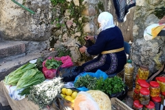 Im-Abed-selling-local-produce-from-Battir