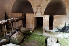 Ancient-olive-press-Palestine-Bet-Guvrin